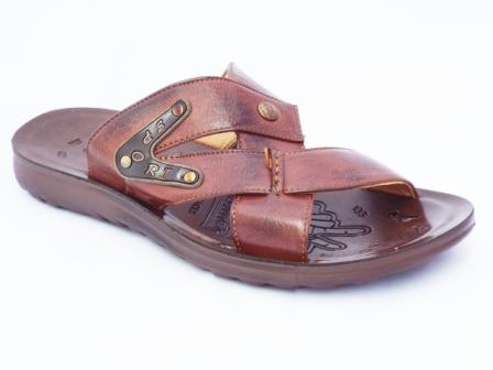 Papuci barbati maro, cu accesorii tip tinte