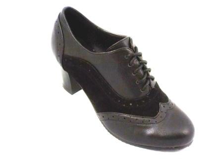 Pantofi dama negri cu siret, toc de inaltime medie.