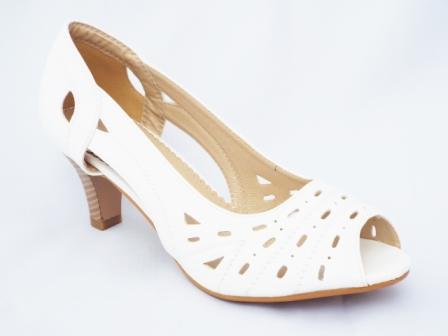Sandale dama albe perforate, cu toc de inaltime medie